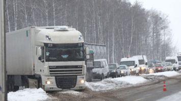 Водитель большегруза не справился с управлением на трассе в Речицком районе