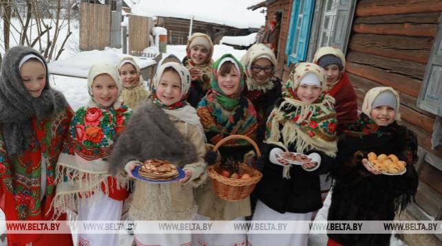 """Детский колядный обряд """"Куры"""" провели в Кличевском районе"""