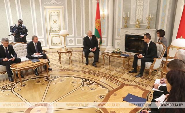 Лукашенко провел встречу с министром иностранных дел и внешней торговли Венгрии