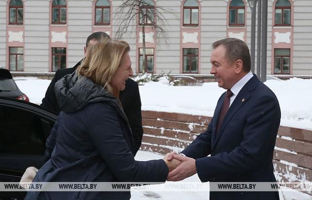 Макей встретился с федеральным министром по вопросам Европы, интеграции и иностранных дел Австрии Карин Кнайсль