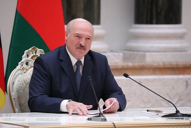 Лукашенко назвал плодотворными переговоры с Президентом Зимбабве