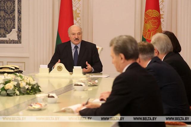 Лукашенко встретился с главами МИД периода суверенной Беларуси