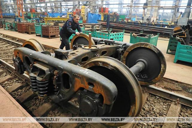 Могилевский вагоностроительный завод впервые поставит подвижной состав в Литву