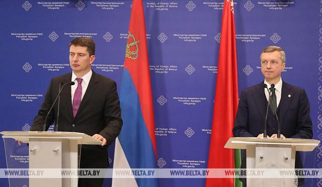 Беларусь предлагает Сербии свои автобусы и совместное производство пожарных машин