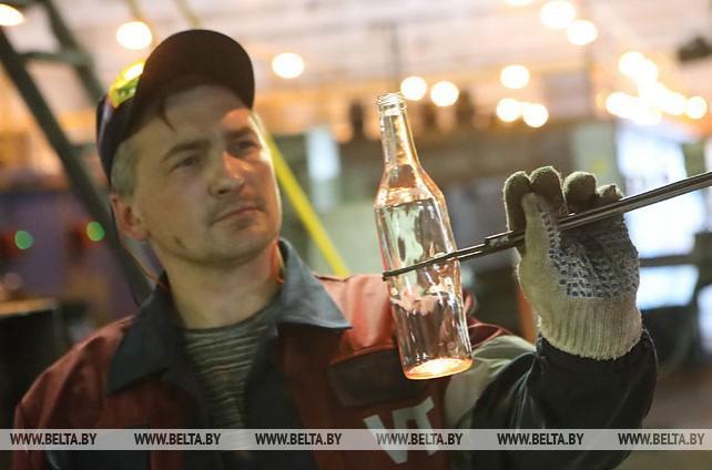 На заводе в Гомеле планируют выпускать ежемесячно 15 млн штук стеклотары
