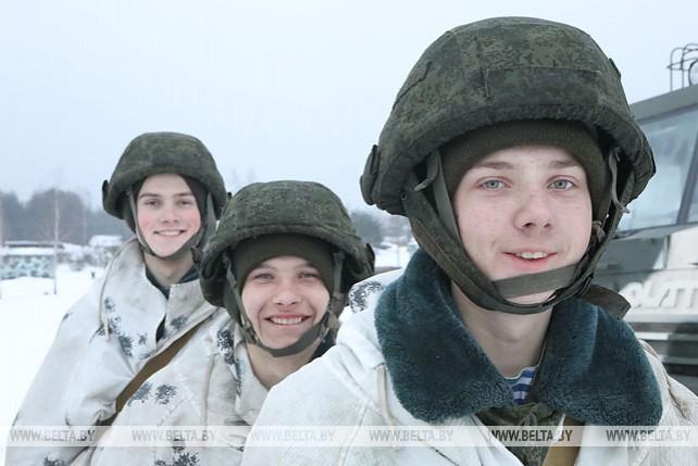 """Артиллеристы-десантники провели стрельбу из минометов """"Нона-М1"""""""