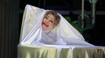 """В Могилевском драмтеатре поставили спектакль """"Три красавицы"""""""