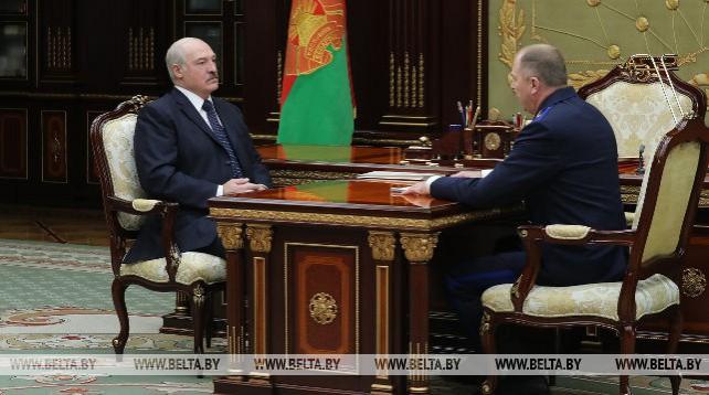 Александр Лукашенко принял с докладом Ивана Носкевича