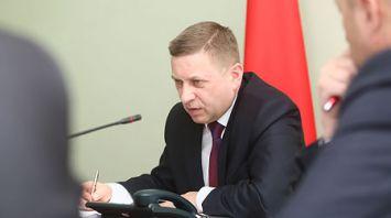 Лавринович провел прямую линию и прием по личным вопросам в Сморгонском райисполкоме