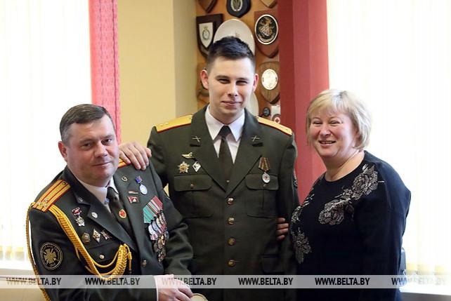 В Гомельской воинской части вместе служат отец и сын