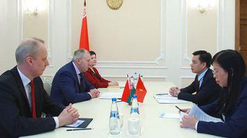 Румас встретился с послом Вьетнама