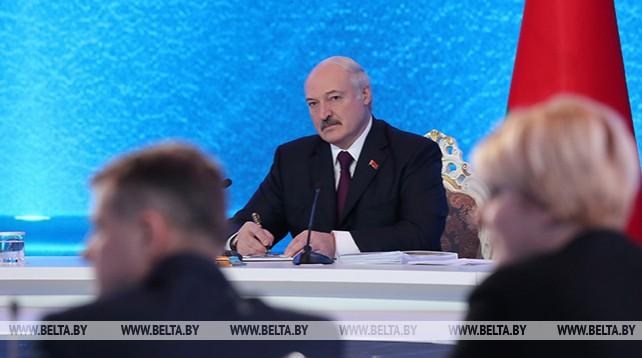 Встреча Лукашенко с представителями общественности и СМИ в Минске