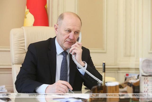 Владимир Кравцов провел прямую телефонную линию
