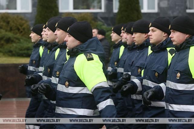 Милиционеры прошли торжественным маршем по центру Гродно