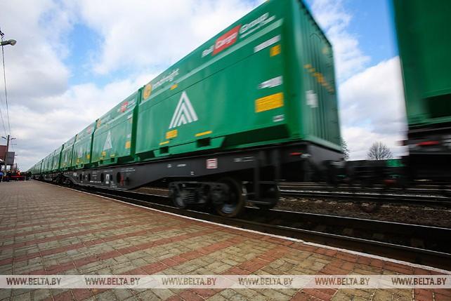 Первый контейнерный поезд по маршруту Беларусь-Румыния отправился со станции Ганцевичи