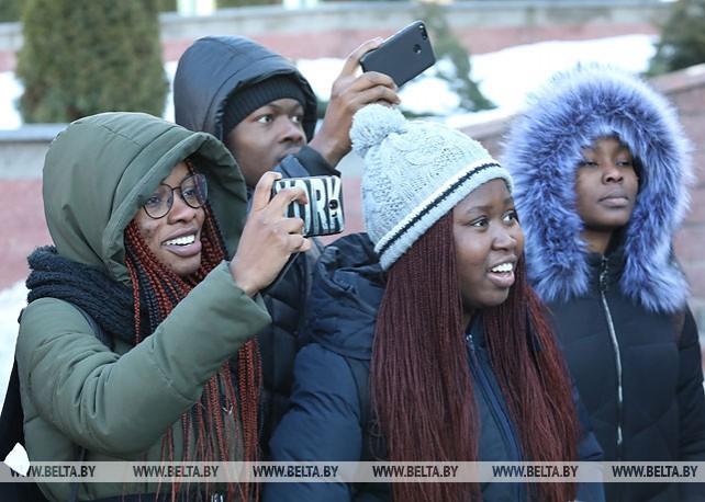 Студенты из 25 стран мира приняли участие в празднике проводов зимы в Витебске