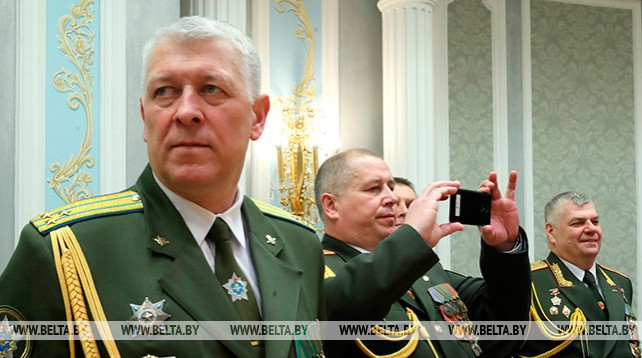 Для участников церемонии вручения наград и генеральских погон провели экскурсию по Дворцу Независимости