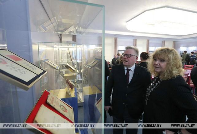 Выставка к 25-летию принятия Конституции открылась в Минске