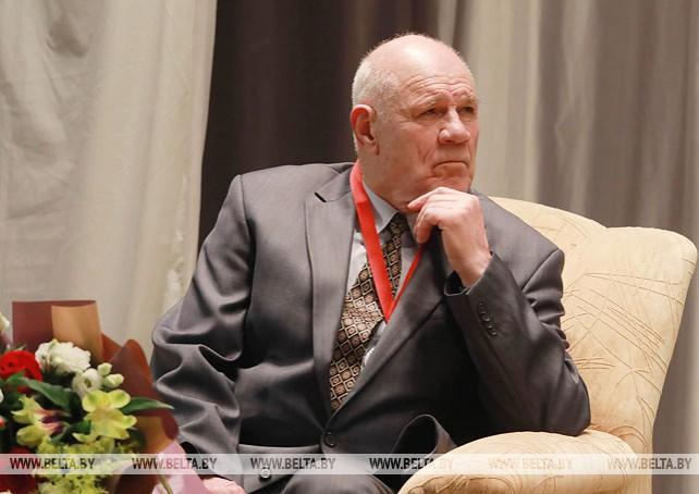 Заслуженного тренера Анатолия Лобачева поздравили с юбилеем