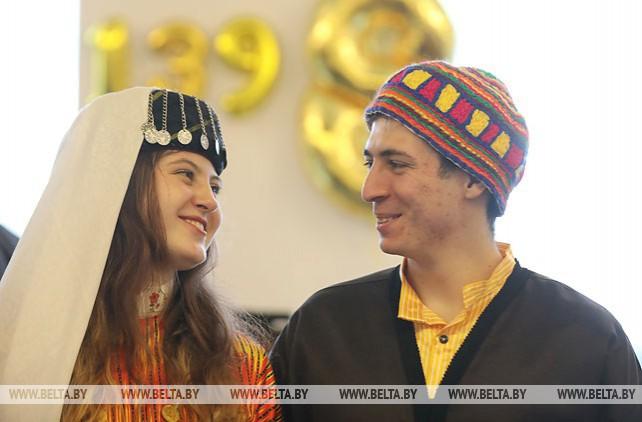 В Минске по-восточному весело и радушно отметили древний Новый год - Навруз