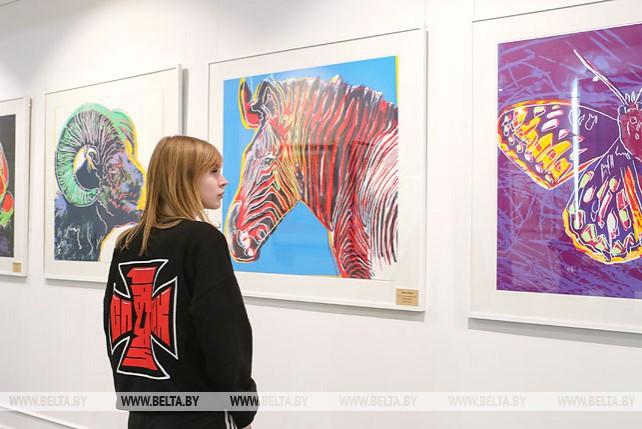 Шелкографию короля поп-арта Энди Уорхола впервые представили в Минске