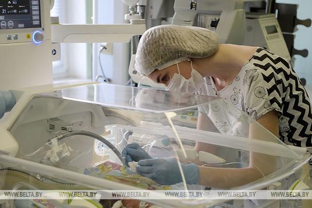 Белорусские медики провели коррекцию порока сердца у ребенка весом 1,1 кг