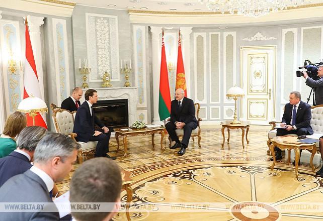 Лукашенко провел переговоры с федеральным канцлером Австрии Себастьяном Курцем