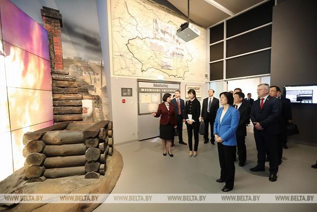 Парламентская делегация Китая посетила Музей истории Великой Отечественной войны
