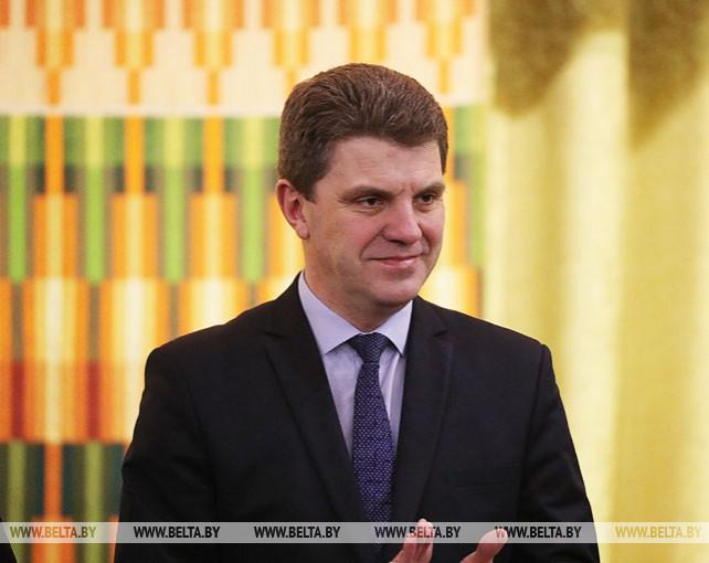 Кухарев представил нового руководителя коллективу Минсельхозпрода