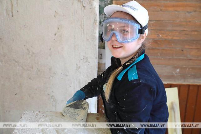 Турнир профмастерства на базе училища закрытого типа деревообработки проходит в Могилеве