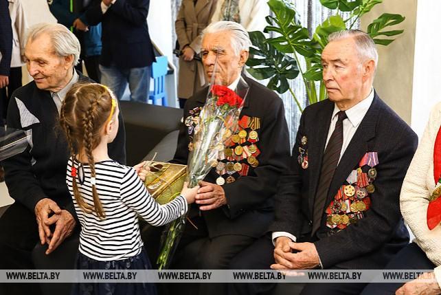 Гашение выпущенных в честь 75-летия освобождения Беларуси конверта и блока марок состоялось в Бресте
