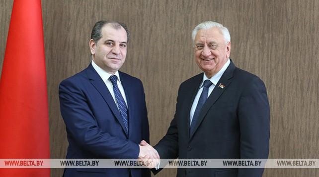 Мясникович встретился с послом Армении