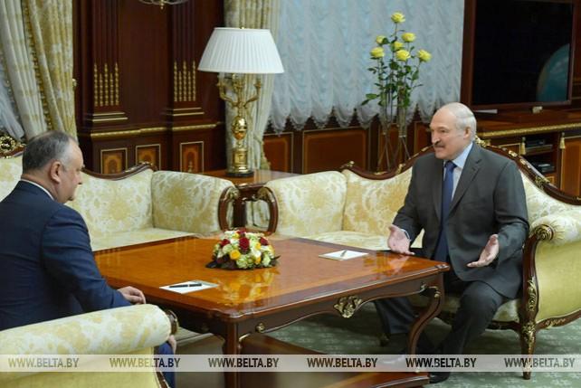 Лукашенко обсудил с Додоном двустороннее сотрудничество и отношения с Украиной и Россией