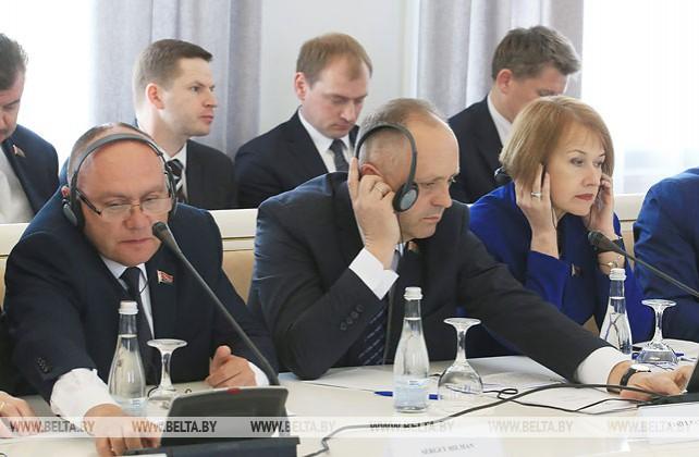 Заседание круглого стола Совета по взаимодействию органов местного самоуправления