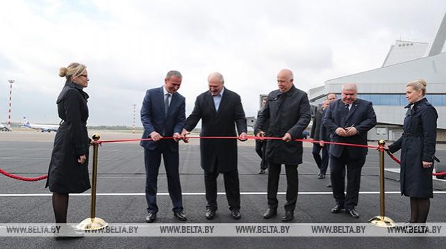 Лукашенко открыл новую взлетно-посадочную полосу в Национальном аэропорту Минск