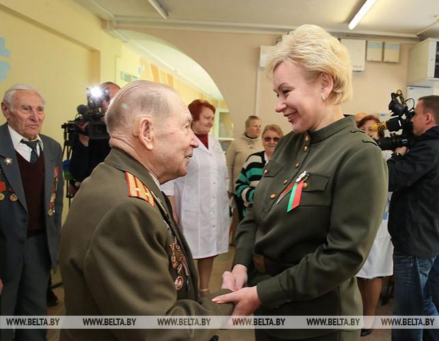 Костевич посетила Республиканский интернат ветеранов войны и труда