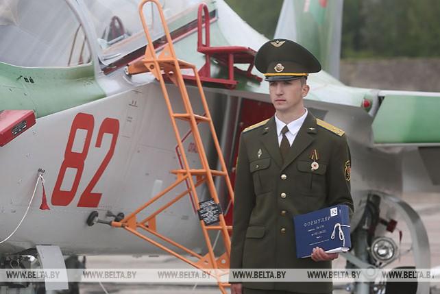 Новые учебно-боевые самолеты Як-130 переданы в состав 116-й гвардейской штурмовой авиабазы в Лиде