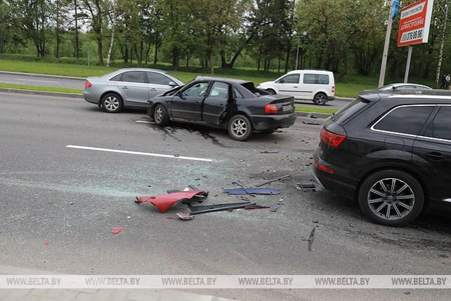 В Могилеве столкнулись четыре легковушки, двое водителей госпитализированы