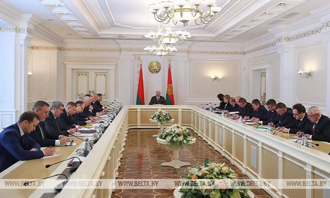 Лукашенко провел совещание по организации и проведению предстоящих выборов в Палату представителей и Совет Республики Национального собрания