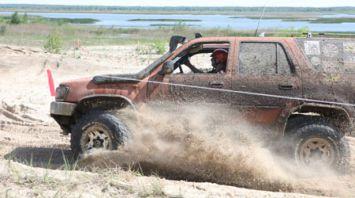 В Светлогорске прошли соревнования среди внедорожных автомобилей