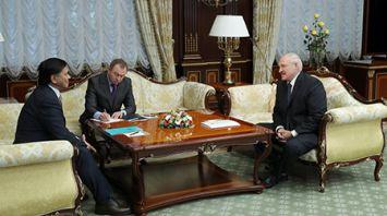 Лукашенко встретился с Чрезвычайным и Полномочным Послом Казахстана в Беларуси