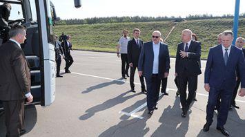 Лукашенко ознакомился с благоустройством и развитием территорий вдоль МКАД