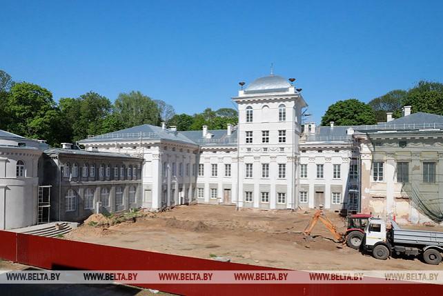 Фасады дворца в Жиличах планируют отреставрировать до конца года