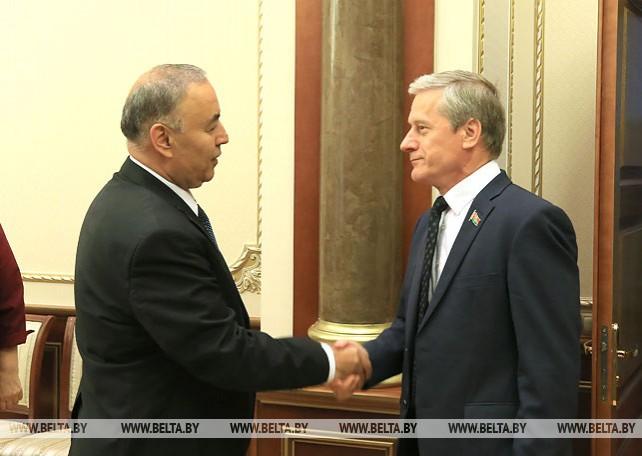 Пирштук встретился с парламентской делегацией Таджикистана