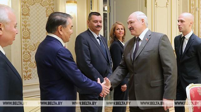 Лукашенко встретился с руководителями конституционных судов зарубежных государств