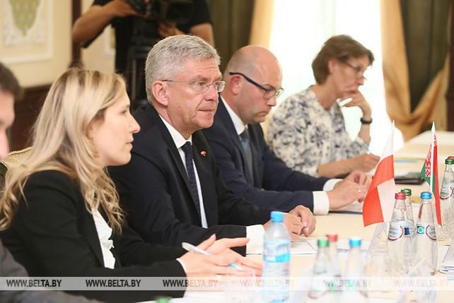 Мясникович встретился с польскими парламентариями