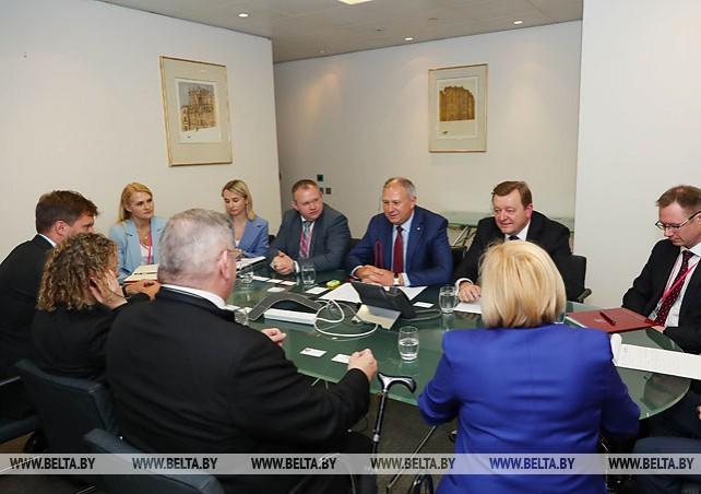 Румас встретился в Лондоне с представителями инвестиционных банков