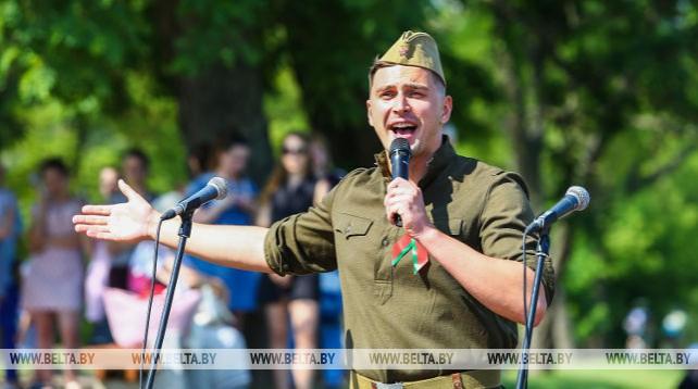 """Брест первым из областных центров принял молодежный марафон """"75"""""""