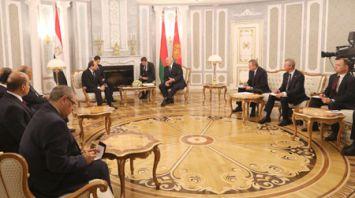 Лукашенко провел встречу в узком составе с Абдель Фаттахом ас-Сиси