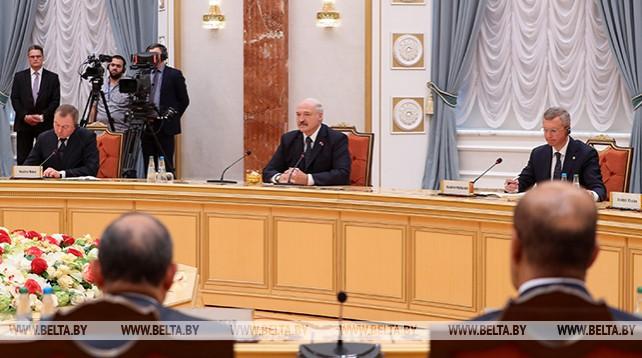 Лукашенко провел встречу в расширенном составе с Президентом Египта